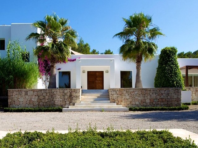 A modern luxury villa close to Ibiza town