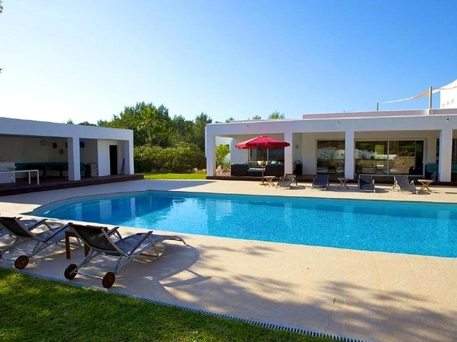 view of holiday villa with pool