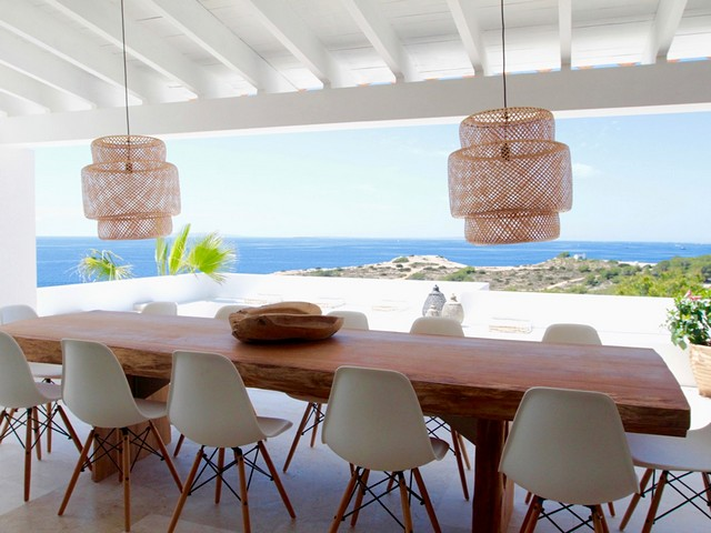 dinning table and view