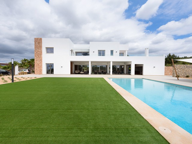 ibiza villa with pool for 14 people