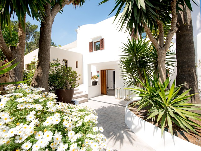A stunning 5 bedroom villa rental near Cala Moli beach in Ibiza