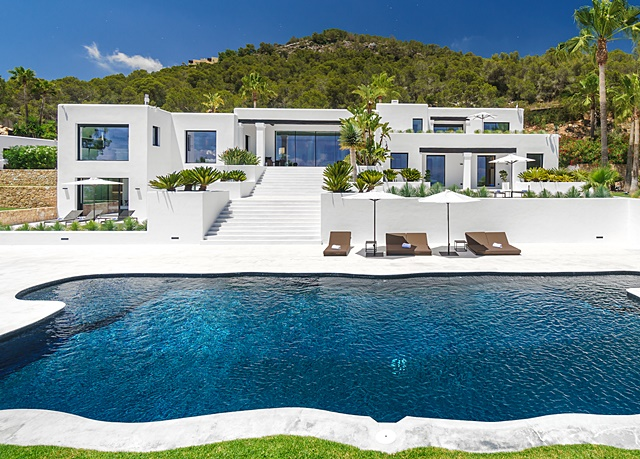 Luxury Ibiza villa in the exclusive Cap Martinet area