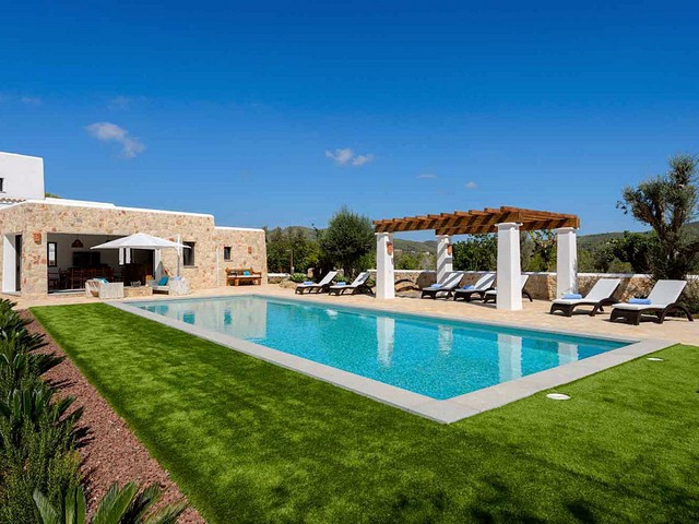 Luxury villa with pool to rent in Ibiza