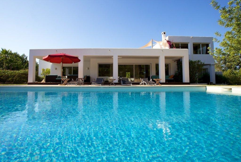 Luxury villa in Santa Gertrudis with large pool and tennis crt