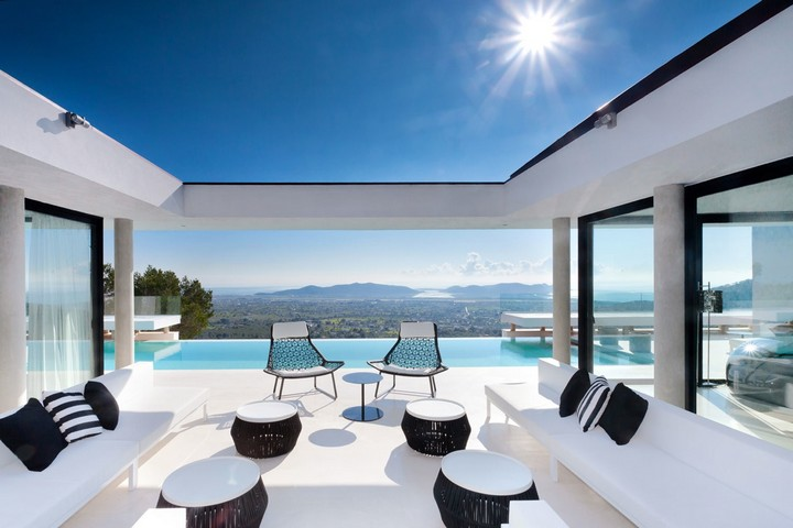 Luxurious rental villa near Ibiza Town
