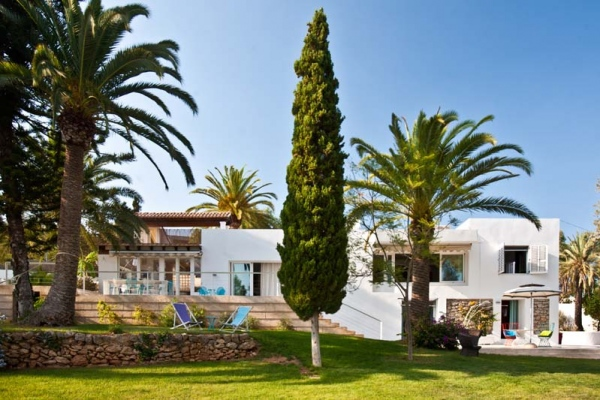4 bedroom rental villa in Ibiza with private pool in San Antonio