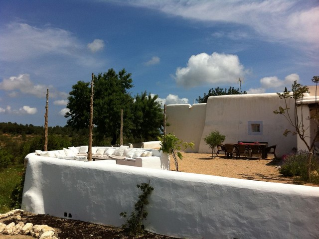 Lovely traditional finca with pool to rent in San Rafeal, Ibiza
