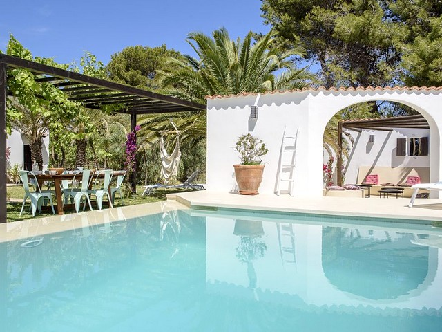 villa with pool on ibiza