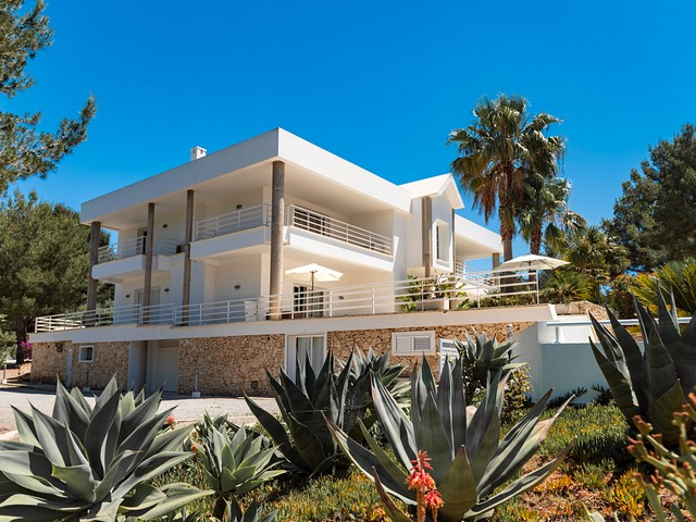 Private Ibiza villa ideal for large groups in San Rafael