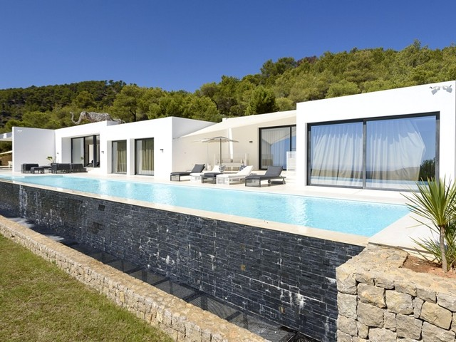 Luxurious rental villa in the north of Ibiza
