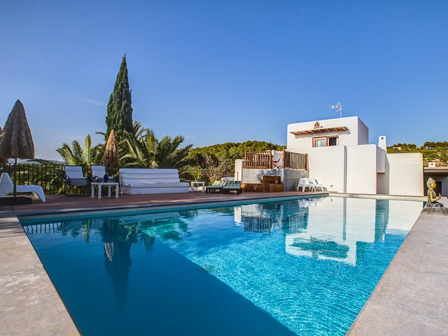 A large holiday finca in Ibiza just 2 km from the beach (Cala Nova)