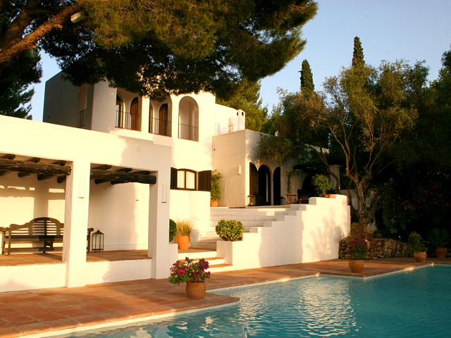 Big Ibiza holiday villa with 2 pools and a tennis court