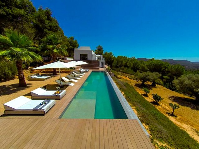 Luxury villa with pool in Ibiza