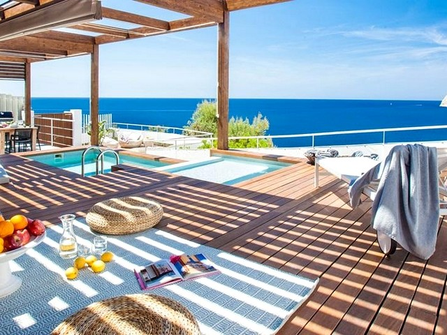 5 bedroom seafront villa to rent in Es Cubells, Ibiza