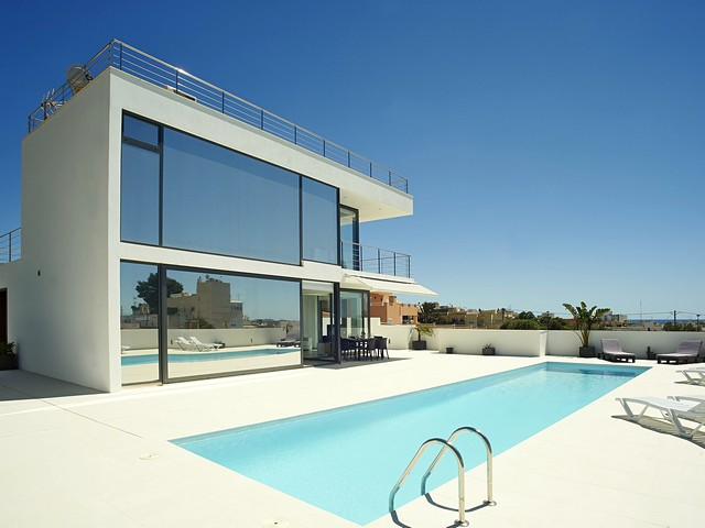 Luxurious villa for rent in near Ibiza Town