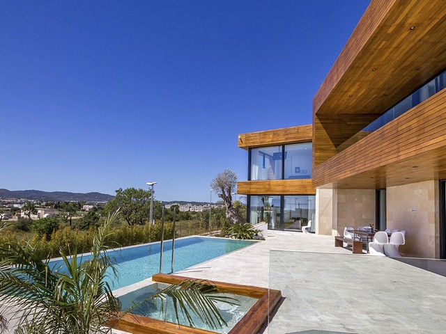 6 bedroom luxury villa just 5 minutes from Ibiza Town