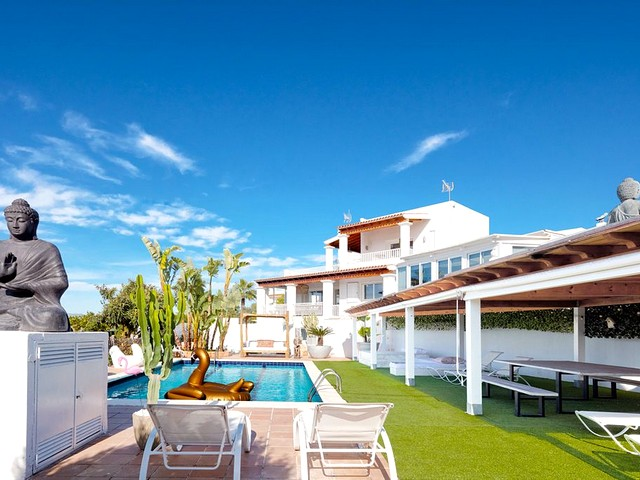 Large villa for 20 in Ibiza