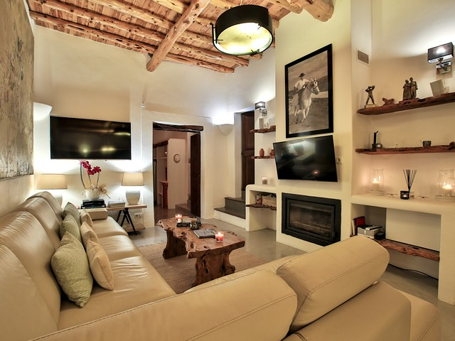 living room in finca 2
