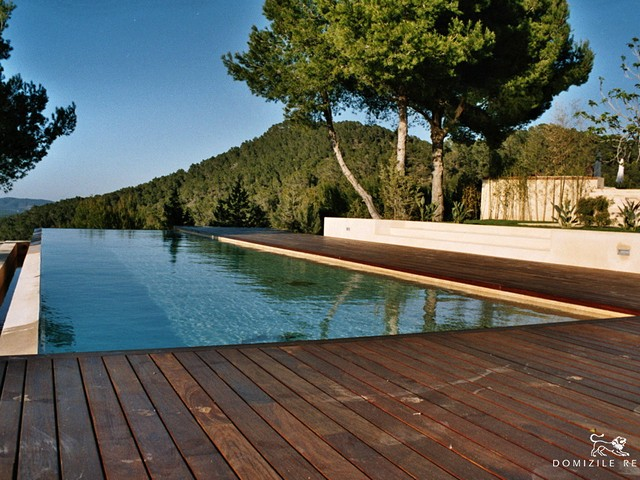 Spacious Ibiza finca with infinity pool and panoramic views
