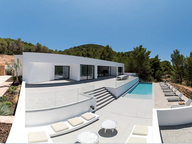Exclusive villa in ibiza for 10 people