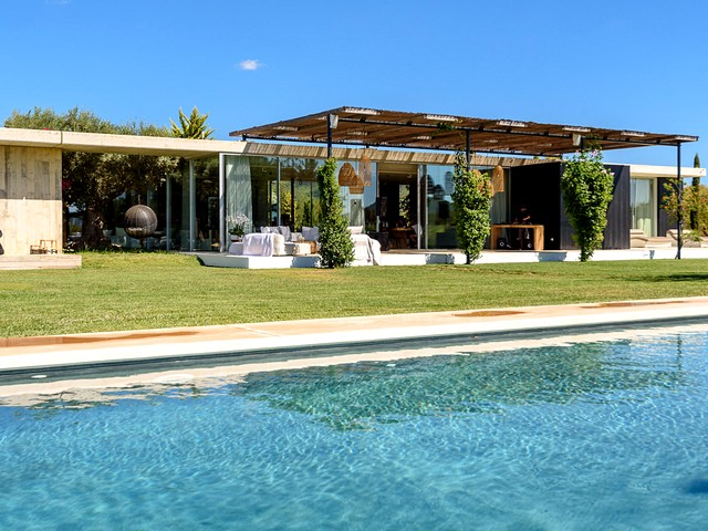 Luxury holiday villa